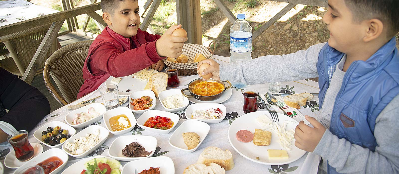 Her Sabah Eşsiz Köy Kahvaltısı